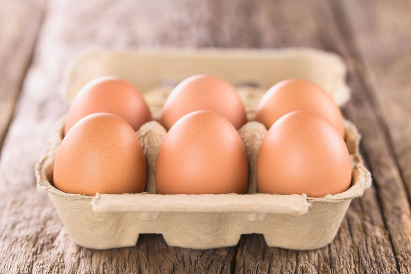 Der Eierkarton wird an der Kasse häufig geprüft