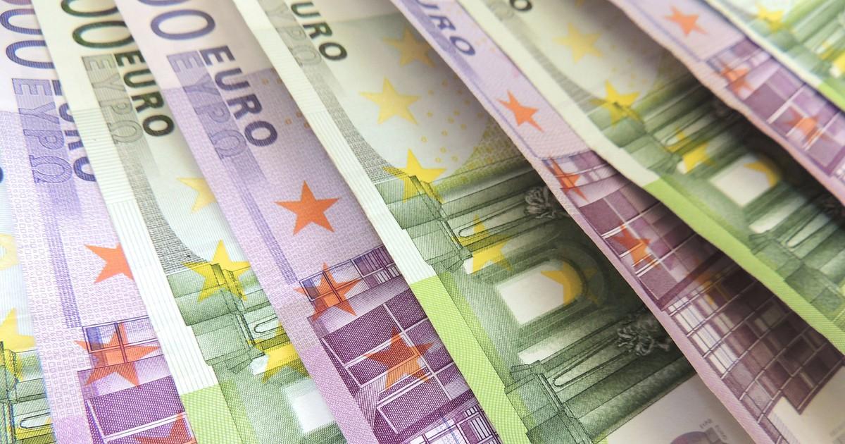 Neu 100- und 200-Euro-Scheine werden vorgestellt