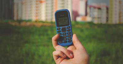 Alte Schätze: 8 Handys sind heute ein kleines Vermögen wert