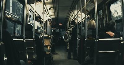 Streit um den Sitzplatz: 14-Jähriger rastet im Bus aus