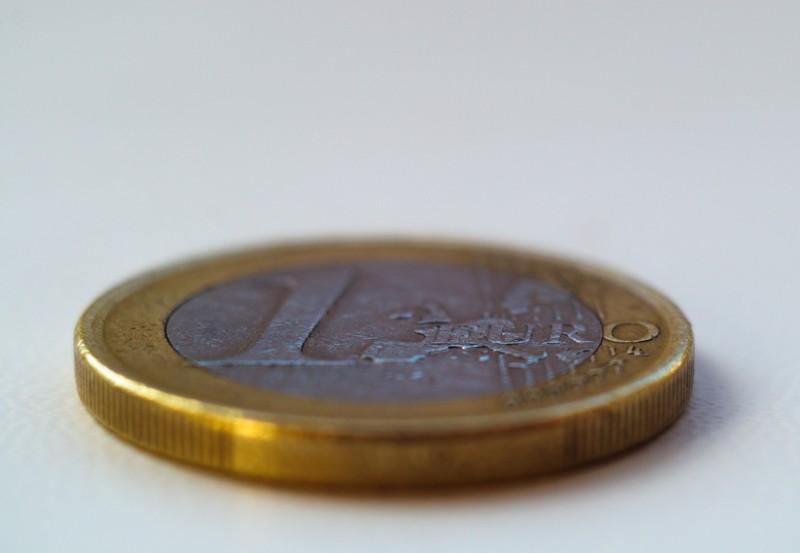 Im Supermarkt gilt bei Kleingeld auf dem Boden kein Finderlohn.