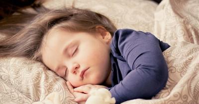 Babysitter aufgepasst: Nehmt nie schlafende Kinder