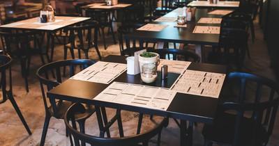 Warum du in Restaurants niemals Salz und Pfeffer benutzen solltest