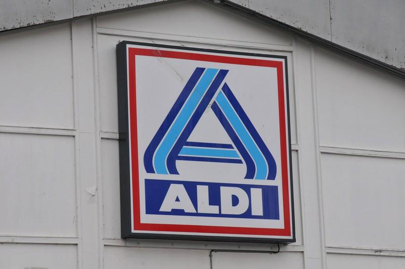 Aldi führt die Liste an.