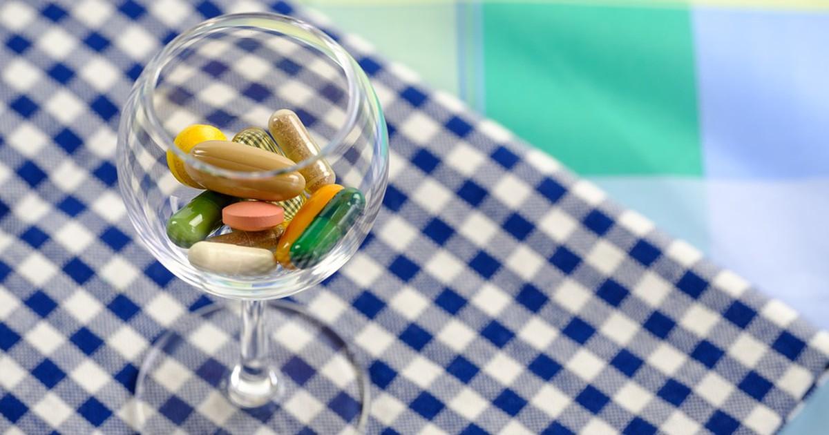 Wechselwirkungen: 5 Getränke, die Medikamente beeinflussen