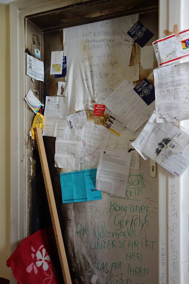 Ein Nachbar war ziemlich sauer und formulierte eine Antwort auf die Geburtstagseinladung und rief das Ordnungsamt