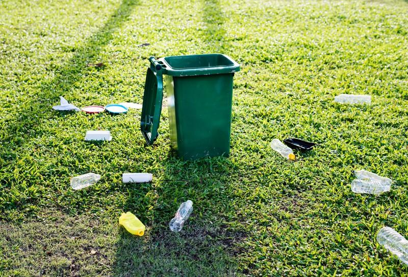 Ein Rentner wird verurteilt, weil er weggeworfenen Kaffee aus einer Mülltonne mitnimmt