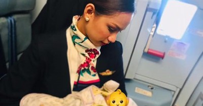 Stewardess stillt fremdes Baby - so reagiert die Mutter