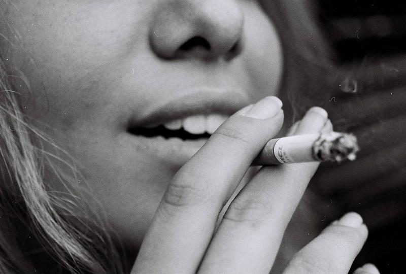 Hartz und herzlich: Schwangere Jasmin (15) raucht weiter