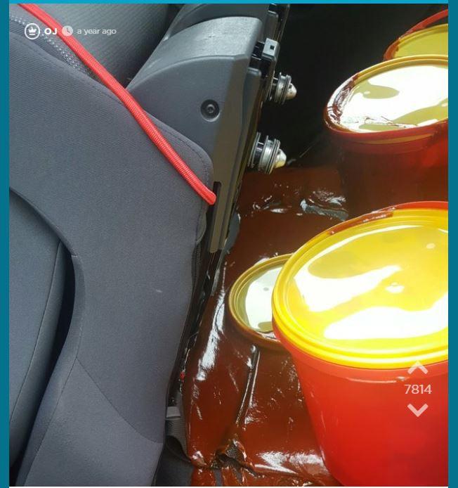 Jodel-Nutzer verschüttet 20kg Ketchup im Auto seines Vaters