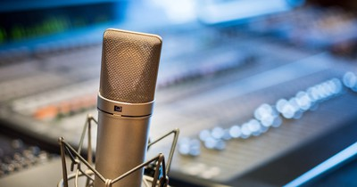Radio verbannt beliebtes Weihnachtslied – weil es angeblich Vergewaltigung besingt