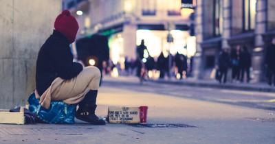Obdachlose erfrieren aktuell auf den Straßen, doch jetzt gibt es Hilfe: