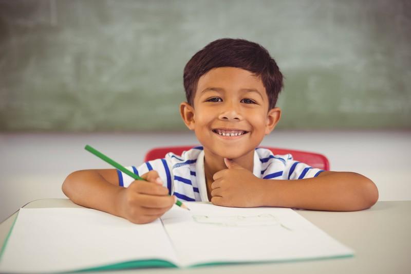9 Menschen, die wohl für immer ein Bleistift-Mal haben