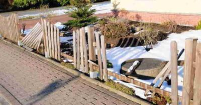 Frau soll Versicherung erklären, wie ihr Zaun beschädigt wurde