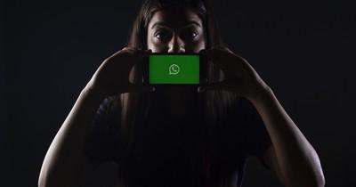 Gerichtsurteil bestätigt: Man darf Familienmitglieder über WhatsApp beleidigen