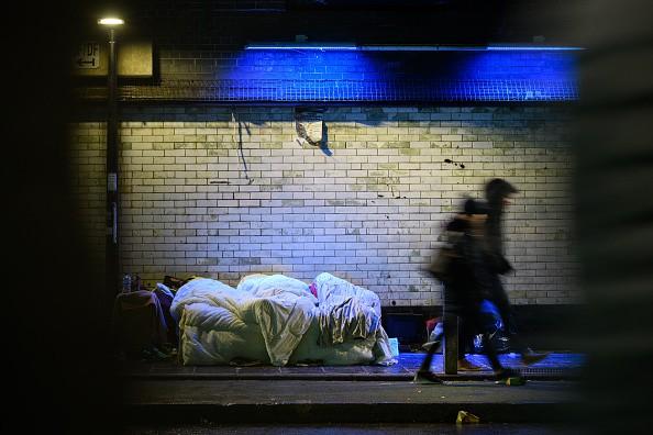 70 Obdachlose können während der Kältewelle in Hotel schlafen - wegen eines Unbekannten