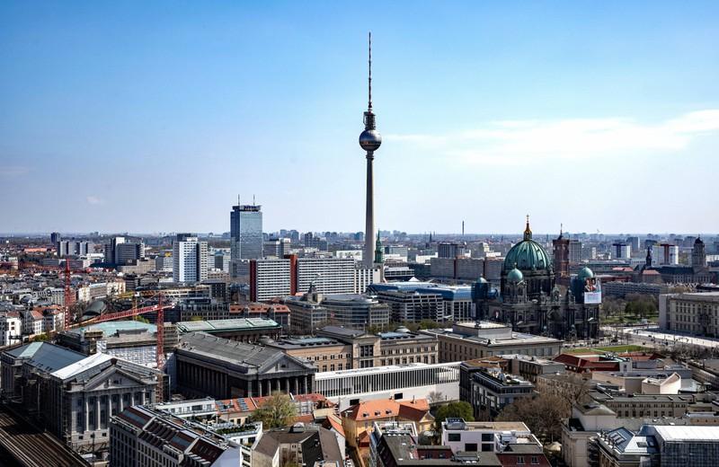 London liegt südlicher als Berlin.