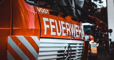 Mann beschimpfte Feuerwehr auf dreiste Weise und muss nun dafür blechen