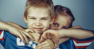 10 Lektionen, die nur Menschen mit Geschwistern verstehen