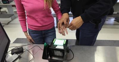 Fingerabdrücke werden bald Pflicht: So werden Personalausweise sicherer