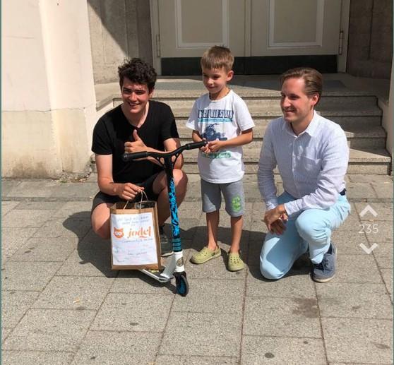 5-Jährigem wird der Roller geklaut - dann startet Jodler eine geniale Aktion