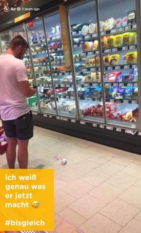 Typ lässt einen Joghurt im Supermarkt fallen - dann hat OJ ein Date mit ihm