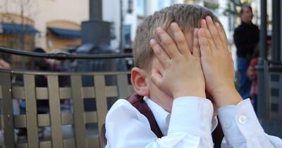 Zum Fremdschämen: Die peinlichsten Dinge, die Eltern getan haben