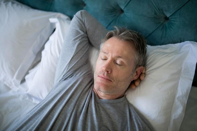 Was Männer so im Schlaf reden