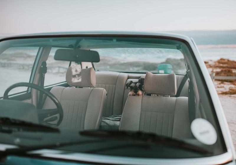 Dieses Bild zeigt ein leeres Familien-Auto.
