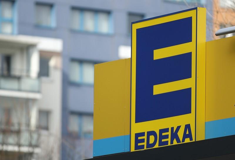 Auf dem Bild sieht man das Logo von EDEKA, wo eine Mutter dem Kind eine Lektion erteilen wollte und EDEKA postete dazu einen Facebook-Post.