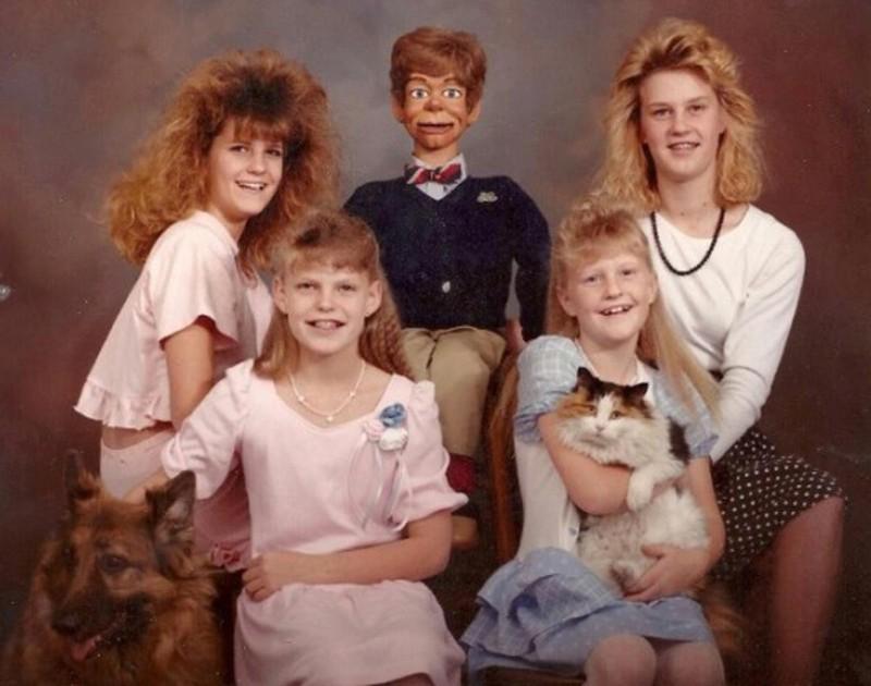 Dieses Bild zeigt ein peinliches Familienfoto.