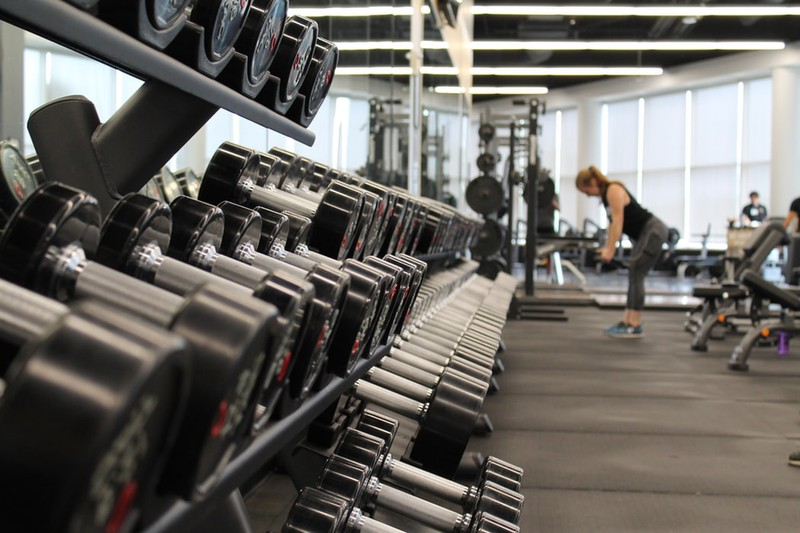 Innenraum eines Fitnessstudios