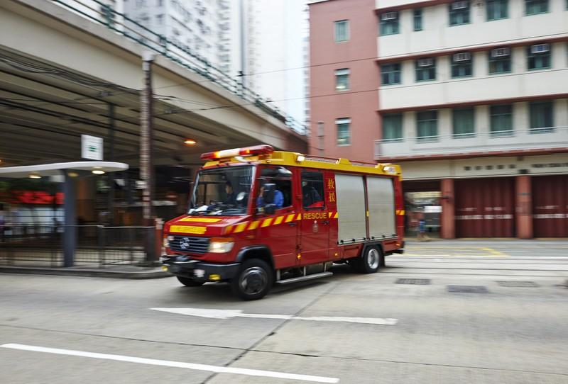 Chinesische Feuerwehr fährt los