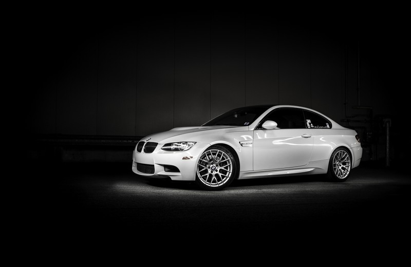 Symbolbild: BMW in weiß