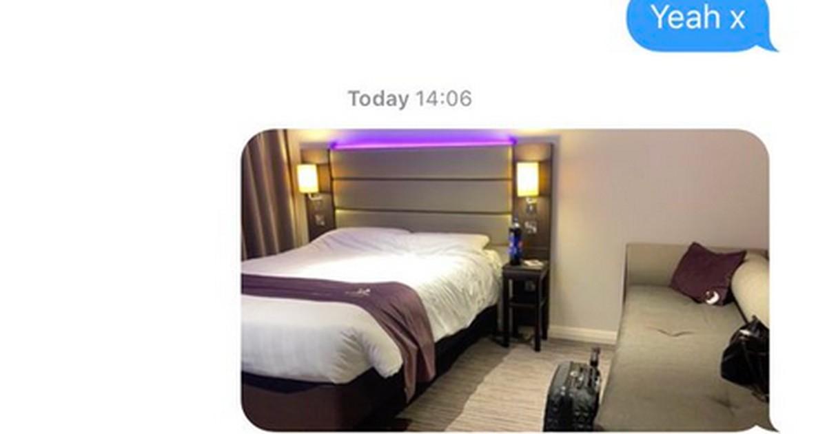 Sie schickte ihrer Mutter ein Foto des Hotelzimmers - über ihre Reaktion lachen alle