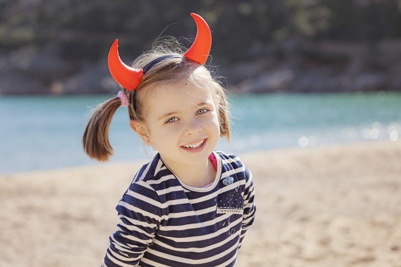 Kinder sind eine wahre Bereicherung, auch wenn sie manchmal Teufelchen spielen und die Nerven ihrer Eltern strapazieren.