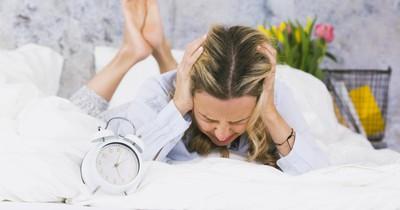 Warum wache ich ständig mit Kopfschmerzen auf?