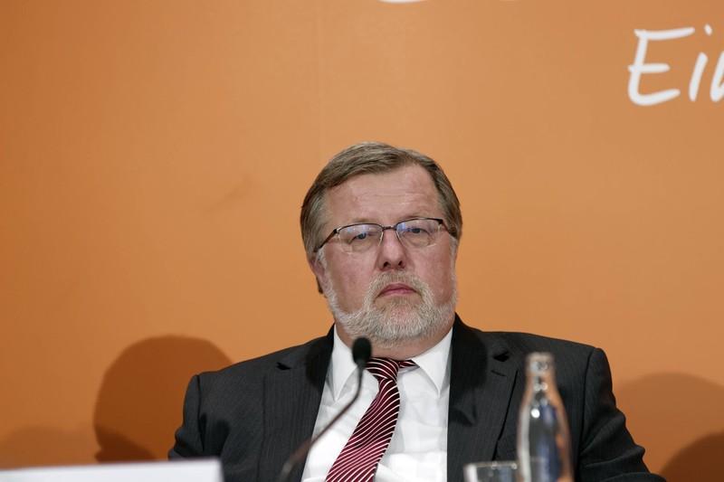 Dr. Thomas Fischbach, Präsident des Berufsverbands der Kinder- und Jugendärzte, will nicht, dass Kinder zu früh Smartphones nutzen