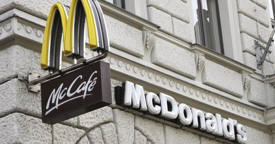 10 Geheimnisse über Fast-Food-Restaurants, die dir Mitarbeiter nie verraten würden