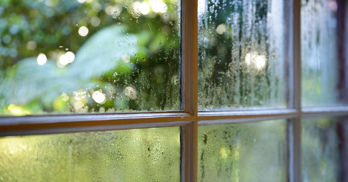 Nasse Fenster am Morgen: 3 Tipps, die helfen können