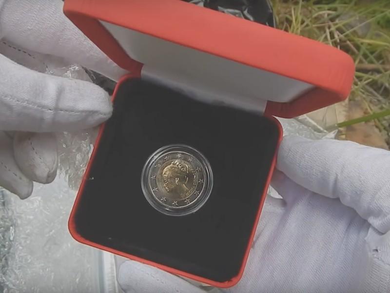 Auf der wertvollen 2-Euro-Münze ist Grace Kelly zu sehen.