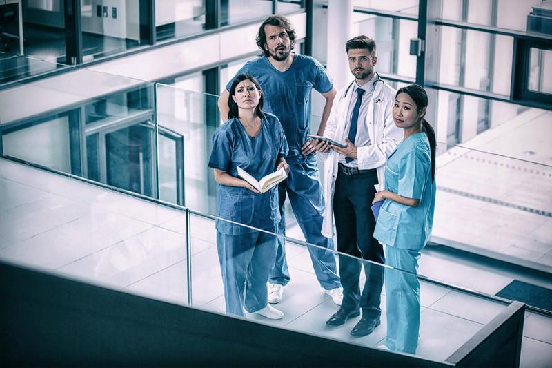 Manchmal können Krankenschwestern schon verzweifeln bei den ekligen Erlebnissen mit ihren Patienten.