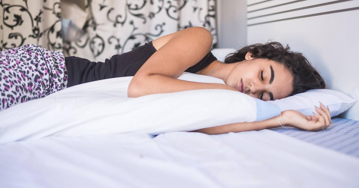 Was verrät die Schlafposition über deine Gesundheit?