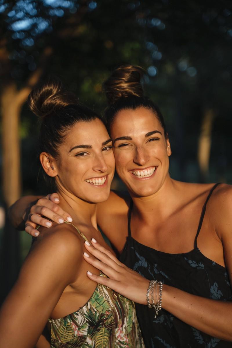 Zwillinge können sich zum Verwechseln ähnlich sehen, schlecht für den, der einen Heiratsantrag plant.