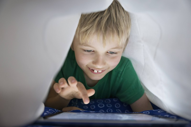 Kleine Kinder sind sehr fantasievoll und berichten daher ihren Eltern manchmal von imaginären Freunden, die sie für realistisch halten.