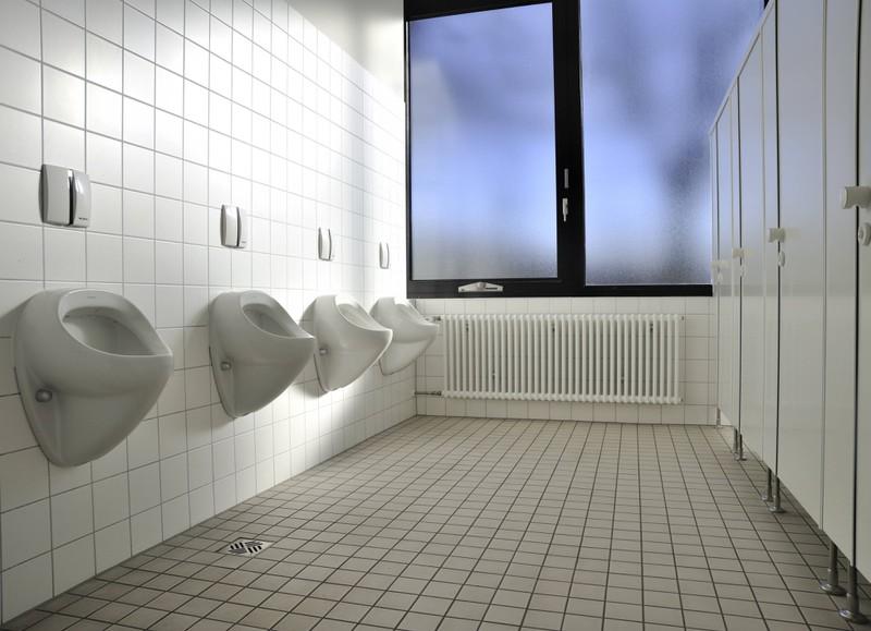 Manche Uni-Toiletten sehen gar nicht so ekelhaft aus, wie man sie erwartet hätte.