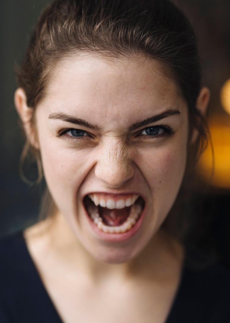 Nach einem solchen schlimmen Antrag ist die Frau wohl zurecht ziemlich wütend.