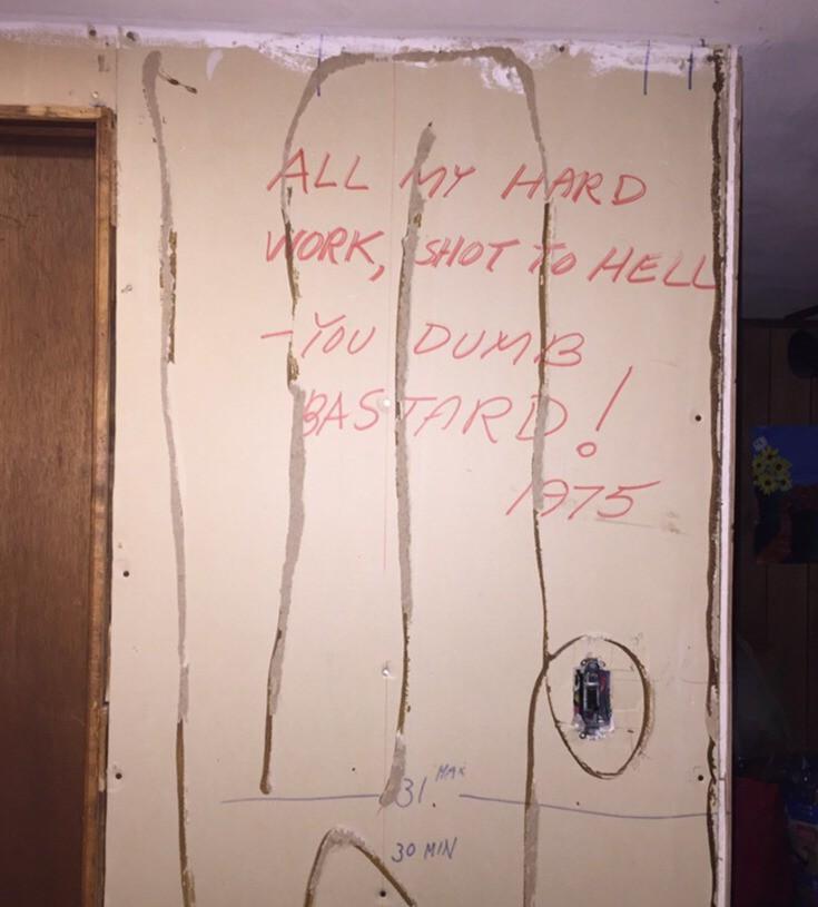 Die kuriose Kellernachricht vom Opa