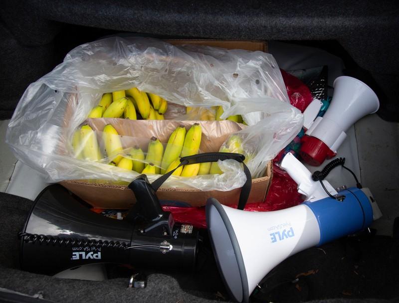 Ein Mann warf Bananen auf eine Band und wurde rausgeschmissen