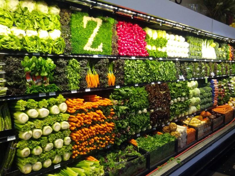 EIn schön sortiertes Gemüseregal zeugt von Spaß an der Arbeit
